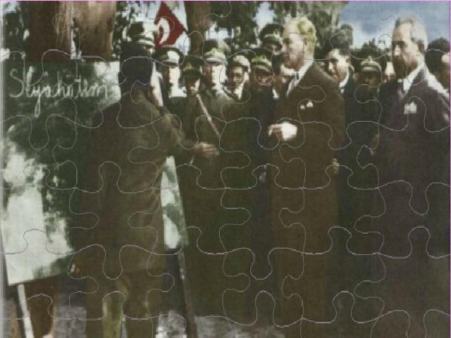 36 parça Atatürkyapbozu ile keyifli bir eğlence sizi bekliyor. Sayfamızda Atatürkyapboz oyunu oynayabilirsiniz. Yeni Atatürk yapboz oyunları