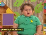 Sevilen çocuk programı; Çocuktan al haberi'nin eğlenceli konuğu sevimli Efecan'ın hayvanlar ve yemek diyaloğu videosu izlemeniz için sayfamızda paylaşıldı.